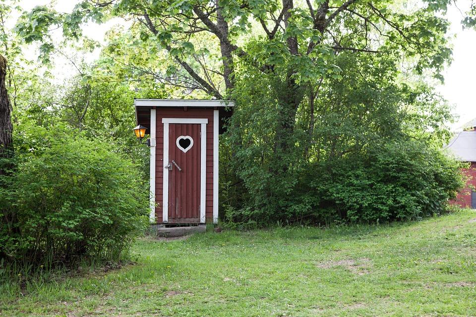 poop house